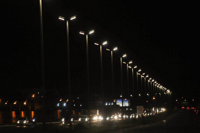 2-anos-df-iluminado-lampadas-especiais-led