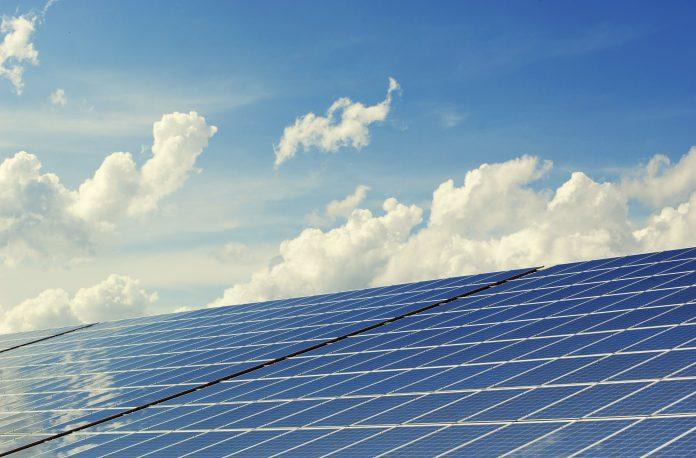 Retrofit de iluminação e energia solar: sucesso na eficiência energética